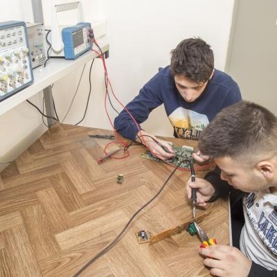 Laborator de electronica
